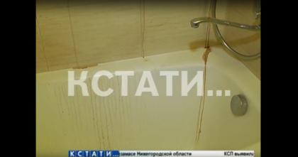 Жуткий потоп — человеческие останки потекли по потолкам и стенам