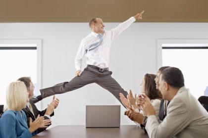 Когда начальник на вес золота… 15 коллективов, которым реально повезло!