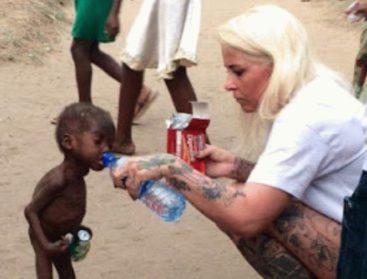 Женщина спасает нигерийских детей, изгнанных родными «за колдовство»