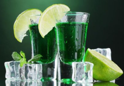 Самый загадочный алкогольный напиток в истории — абсент