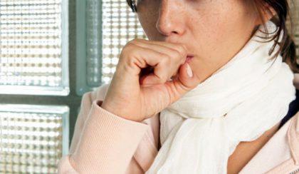 Европу захватила эпидемия сухого кашля. От него нет лекарств, но…