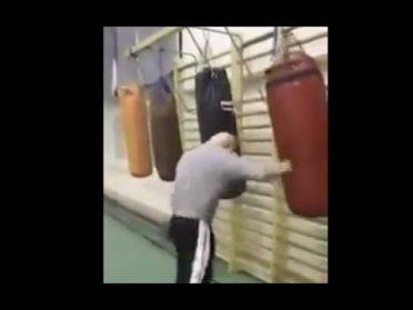 80-летний боксер жжет не по детски