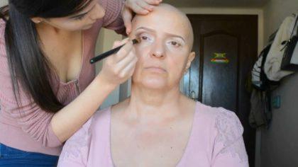 Больная раком женщина села в кресло профессионального визажиста. Вот какой она стала спустя 5 минут!