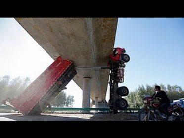 Эти парни умеют ездить! Профи своего Дела или Водители грузовика — уровень БОГ!