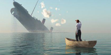 Муж оттолкнул жену, чтобы спастись с тонущего корабля. Когда я узнал причину, на глаза навернулись слезы…